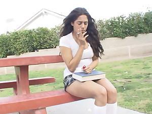 Zum Glueck erwische ich sie beim rauchen