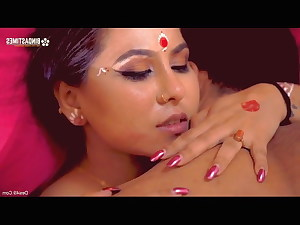 Indian women in romantic sex video with Hindi audio