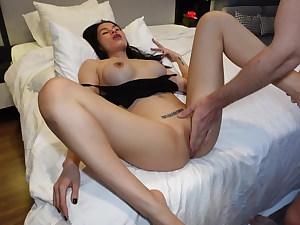 Asian milf gets fingered
