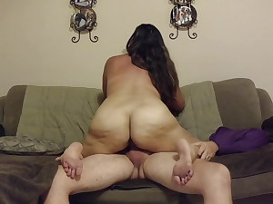 Big-assed amateur Cougar likes firm cowgirl ride